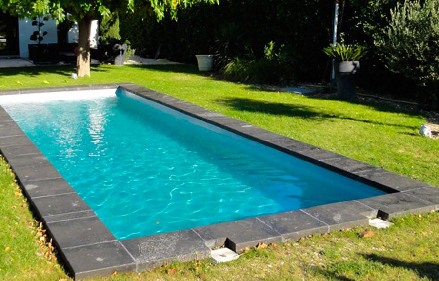 piscine modele coque couloir